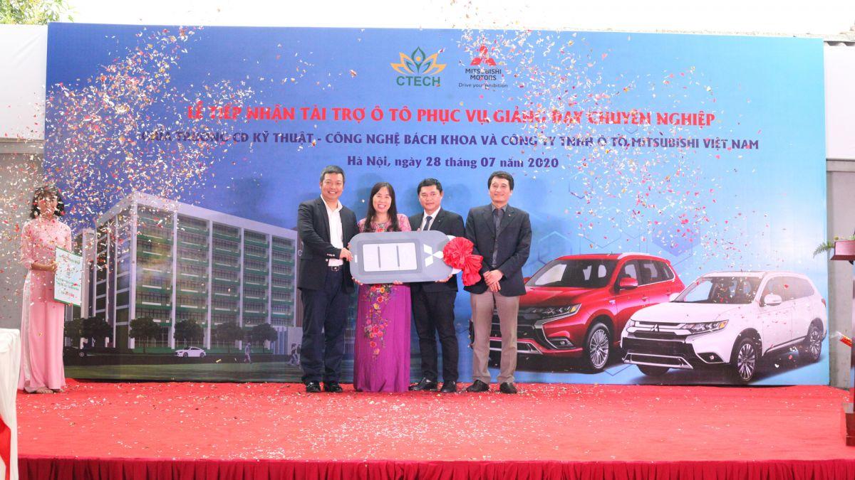 Trường Cao đẳng Kỹ thuật – Công nghệ Bách Khoa nhận tài trợ 09 xe ô tô từ Mitsubishi Motors Việt Nam