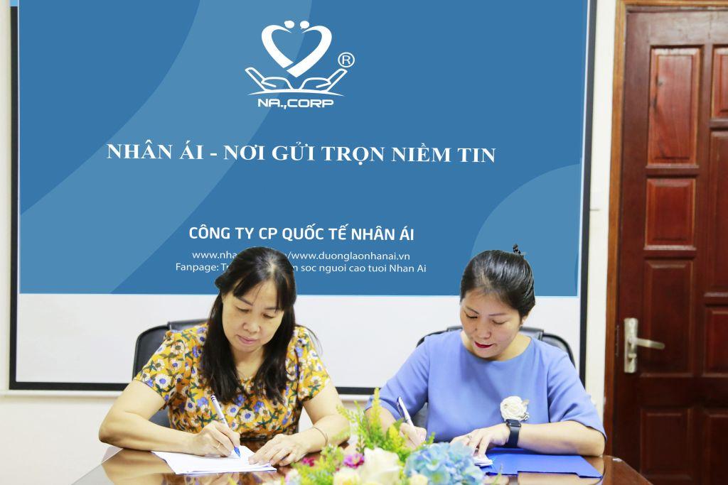 Trường CĐ Kỹ thuật – Công nghệ Bách Khoa ký hợp tác đào tạo với Công ty Cổ phần Quốc tế Nhân Ái